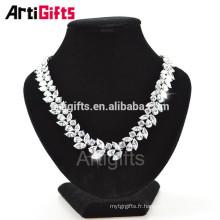 Collier en diamant de goutte d'eau de goutte de luxe en forme de zircon cubique
