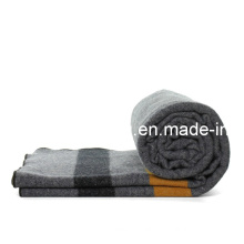 30%Wool/70%Polyester of Relief /Refugee Blanket
