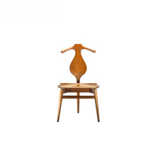 Réplica Hans Wegner Hand Carved Valet Chair