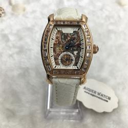One Beautiful Fashion Women Mechanical Watch