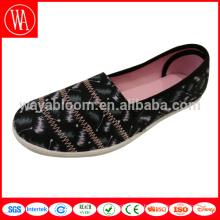 разработанная плоская женская парусиновая обувь