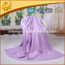 Fabrique de couverture de haute qualité Chine Longue taille Couleur ordinaire Vente en gros Couverture d'avion pour les voyages