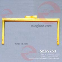 Diseño personalizado y logotipo en marco de embrague para producto de cuero