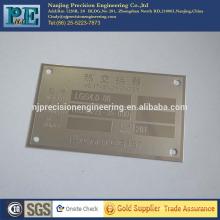 Placa de logotipo de alumínio de alta precisão personalizada