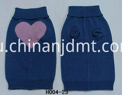 Pink heart design dog clothes