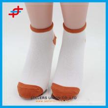 Süßigkeit gefärbte preiswerte Baumwolldame-Knöchelsocken