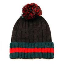 Einfacher Beanie-Hut für Winterdekoration