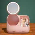 Ящик для хранения косметики с зеркалом с подсветкой, вращающимся на 360 °