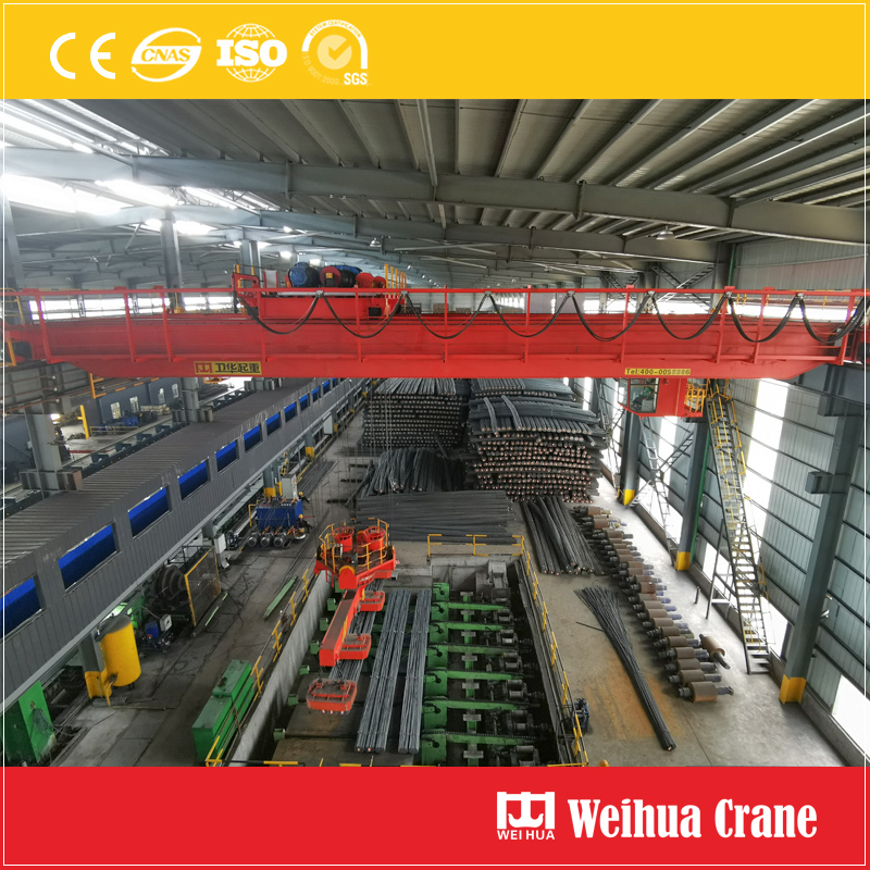 Overhead Crane With Rotary Magnet