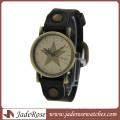 Montre en alliage de personnalité en gros avec la montre de bracelet en cuir