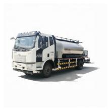 Camion de pulvérisateur de bitume bitumineux HOWO de haute qualité