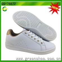 Nouveau populaire blanc PU chaussures pour femmes