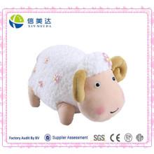 Nueva muñeca rechoncha linda de las ovejas del diseño con poca flor rosada