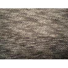 Tissu à manches tricotées