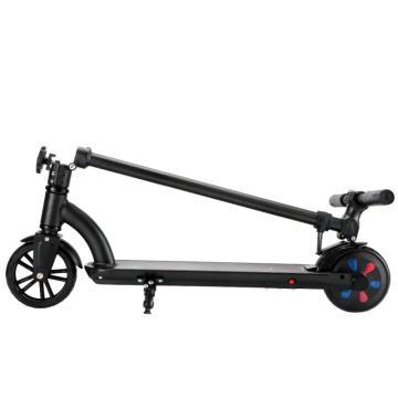 Schaukelauto für schönes Baby Balance Fahrrad