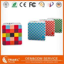 Design de moda de qualidade excepcional Impressão personalizada Preço incrível Carregador de celulares chinês