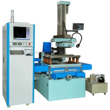 + -30 ahusamiento CNC Wire Cut EDM Machine