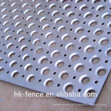 Malha de metal perfurada