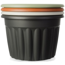 Red round plastic flower pots nursery pots