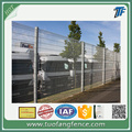Industrial welded mesh fencing panels