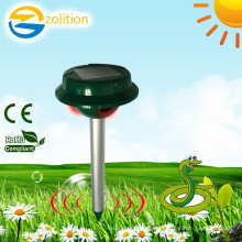 Zolition the most effective top quality ultrasonic solar garden snakes repellent ZN-2030S