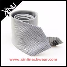 Graue weiße Pin Dots 100% Seide Krawatte Lagerverkauf