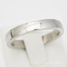 Engraved 2 Lines Simple Silver Bagues de fiançailles pas chères pour les femmes