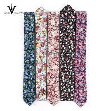Coton avec une cravate de conception personnalisée belle fleur