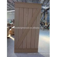 Puerta corredera interior moderna con herraje de puerta de granero negro
