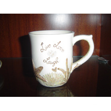 Taza de cerámica con el patrón de pintura