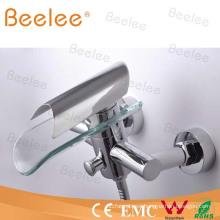 Grifo de la bañera del grifo de la ducha del baño de la cascada del montaje de la pared con el disco de cristal