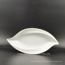 Forma de folha de cor branca Prato de porcelana vitrificada