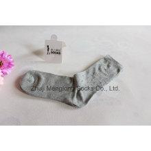 Todos os dias os homens vestem meias feitas de algodão fino suor absorventes