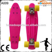 Nouveau skateboard modèle-mini avec skateboard en roues clignotantes CE / EN