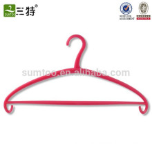 Wholesale plastic pink clothes hangers