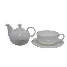 Teekanne und Tassenset