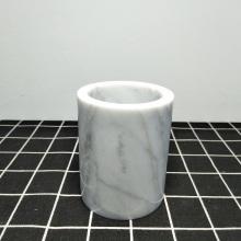 Zahnbürstenhalter aus weißem Marmor