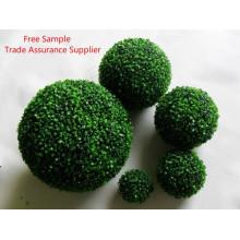 Boule d'herbe artificielle en plastique décorative de boule d'herbe