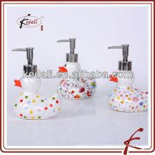 Popular colorido durável porcelana loção dispensador com bomba