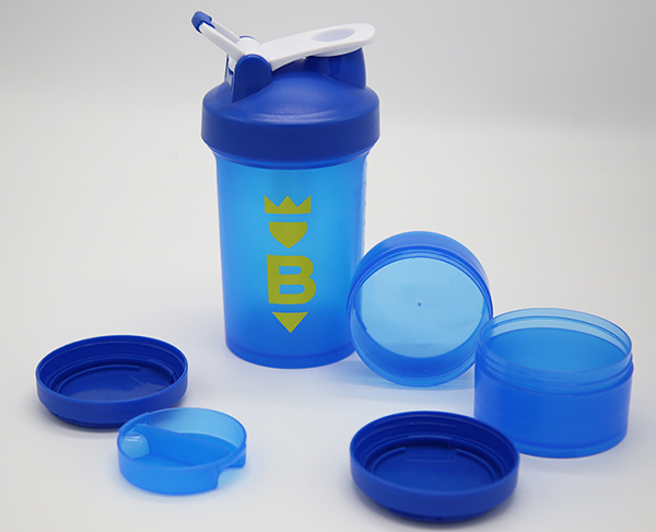 DETAILS Blue shaker bottle