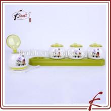 Jarra de especias de porcelana de la decoración durable con la bandeja