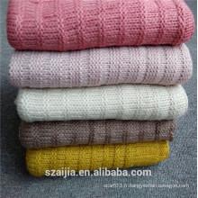 Écharpe tricoté en acrylique coloré aux femmes de mode