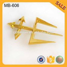 MB606 Imitation gold metal logo plate for quality garments & handbags