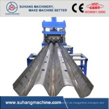 Rollbahnformmaschine für Autobahnleitplanken