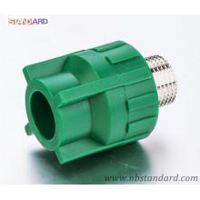 PPR-Außengewinde mit Messingeinsatz in grüner Farbe