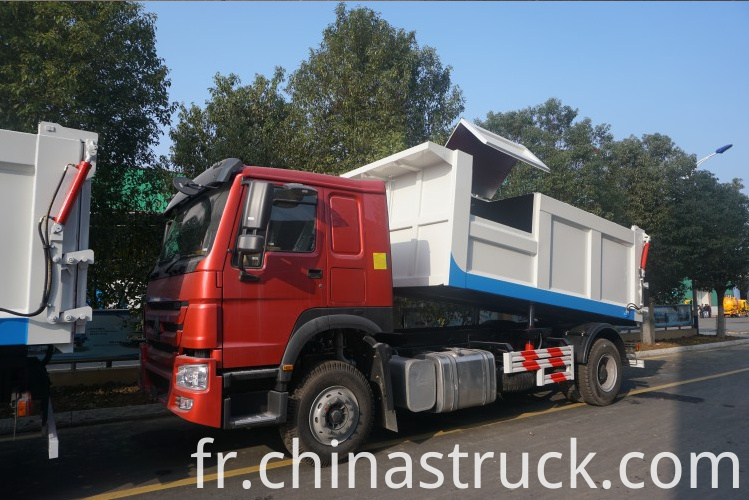 HOWO garbage truck dust cart
