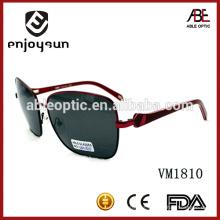 Hombre de estilo marco de gran tamaño italiano marca polarizada gafas de sol