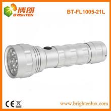 Fuente de fábrica Material del metal del OEM Linterna de aluminio 21led con la batería seca