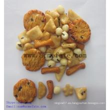 Bocadillos de maíz mezcla de alimentos galletas de arroz y cacahuetes recubiertos