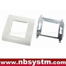 Face Plate, tipo francês, adequado para placa frontal 45x45mm ou 2pcs 45x22.5mm. Tamanho: 80x80mm